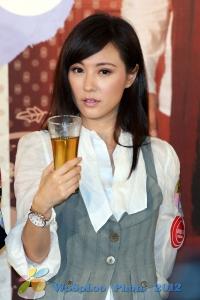 劉心悠@荷里活廣場20121229 (3908 views)